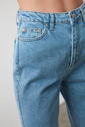 TRENDYOLMİLLA Açık Mavi Yüksek Bel Mom Jeans TWOSS20JE0108 4