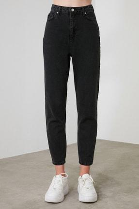 TRENDYOLMİLLA Siyah Yüksek Bel Mom Jeans TWOSS20JE0108 4