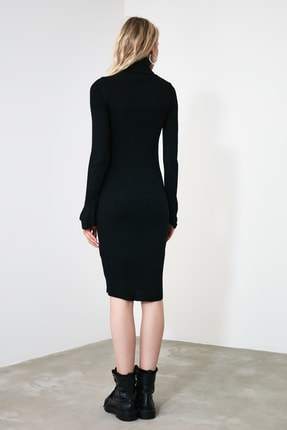 TRENDYOLMİLLA Siyah Kol Ucu Volanlı Triko Elbise TWOAW20YN0005 3