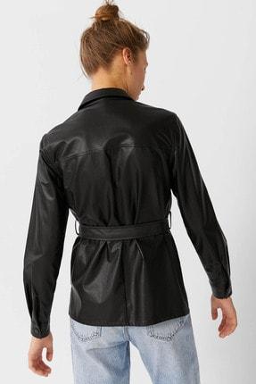 Stradivarius Kadın Siyah Kemerli Suni Deri Gömlek 06180627 2