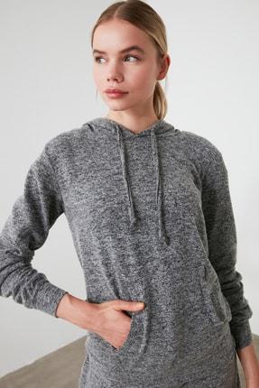 TRENDYOLMİLLA Siyah Kapüşonlu Basic Spor Sweatshirt TWOAW21SW0099 0
