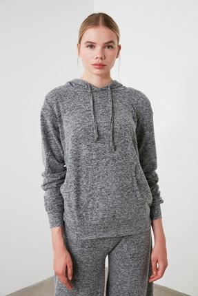 TRENDYOLMİLLA Siyah Kapüşonlu Basic Spor Sweatshirt TWOAW21SW0099 3