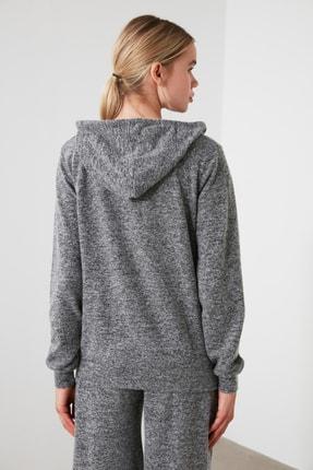 TRENDYOLMİLLA Siyah Kapüşonlu Basic Spor Sweatshirt TWOAW21SW0099 4