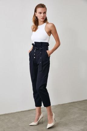 TRENDYOLMİLLA Lacivert Süper Yüksek Bel Kemerli Havuç Pantolon TWOAW21PL0118 1