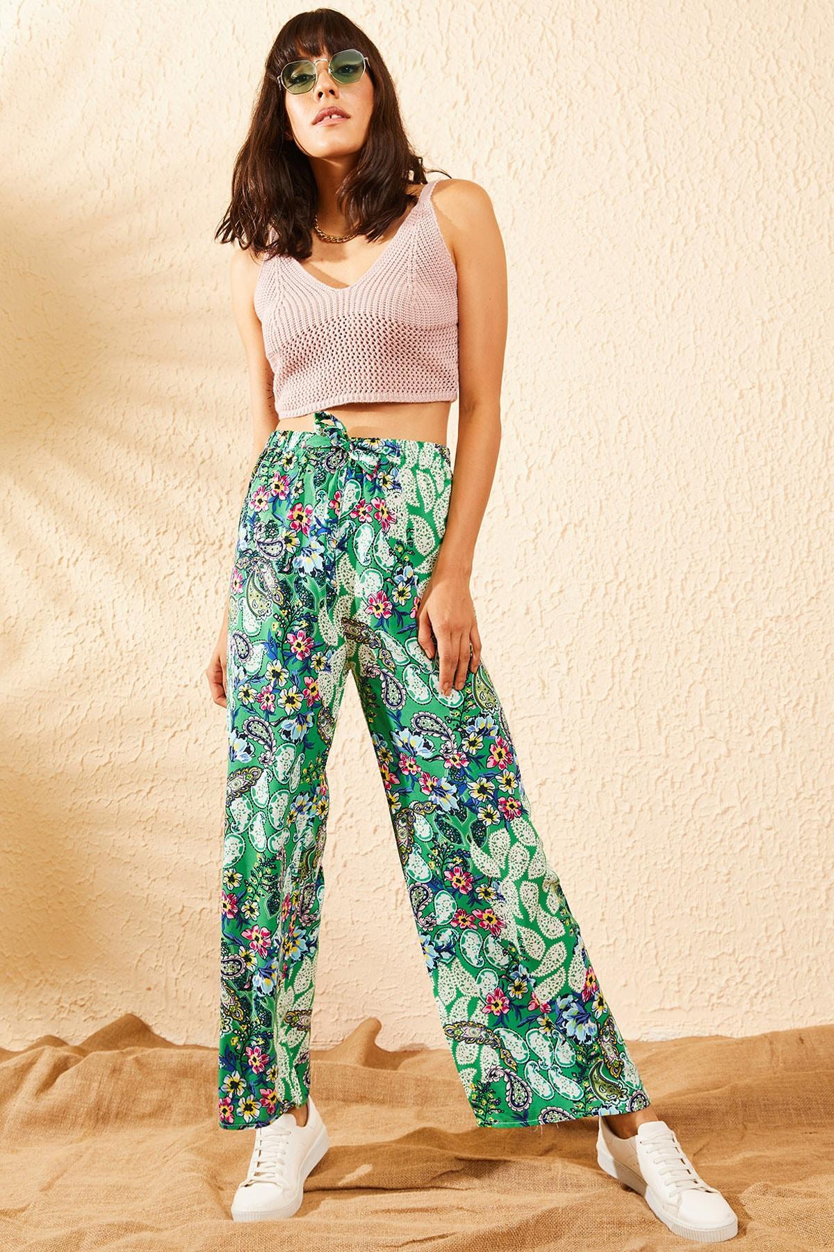 Bianco Lucci Kadın Yeşil Beli Lastikli Çiçek Desenli Bol Paça Pantolon 10101003 1
