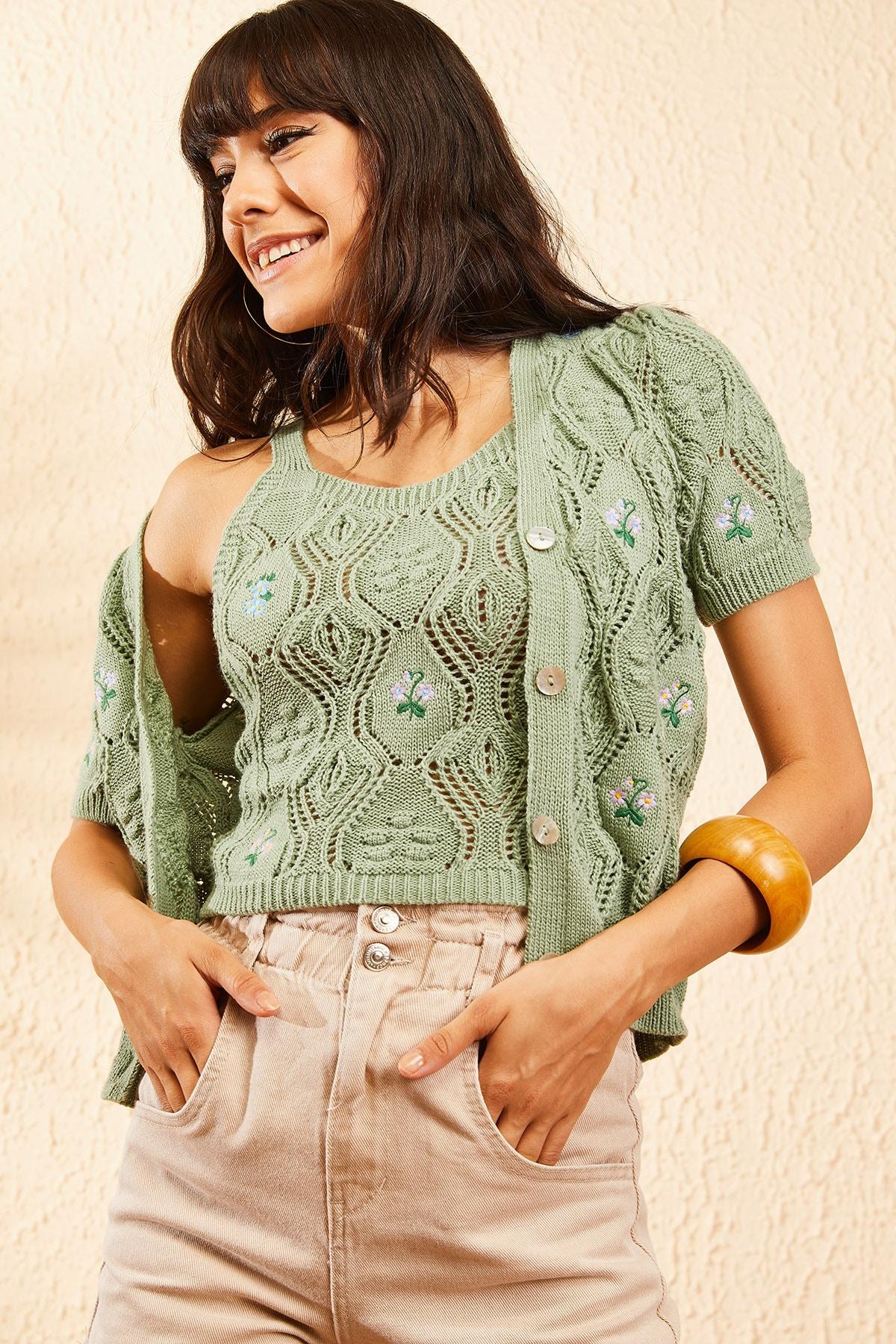 Bianco Lucci Kadın Çağla Yeşili Kadın Nakış İşlemeli Hırka ve Crop Top Bluz Triko Takım 10101032 1