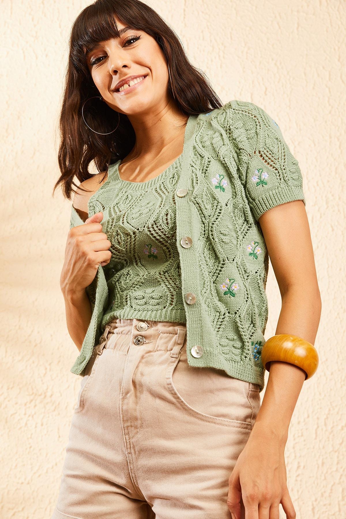 Bianco Lucci Kadın Çağla Yeşili Kadın Nakış İşlemeli Hırka ve Crop Top Bluz Triko Takım 10101032 3
