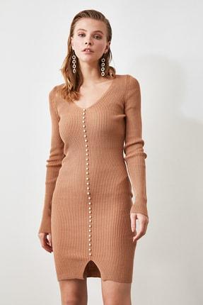 TRENDYOLMİLLA Camel İnci Detaylı Triko Elbise TWOAW21EL0267 3