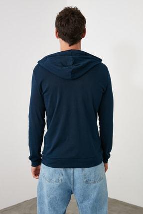 TRENDYOL MAN Lacivert Erkek Regular Fit Uzun Kollu Kapüşonlu Baskılı T-Shirt TMNAW20SW0441 4