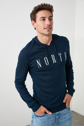 TRENDYOL MAN Lacivert Erkek Regular Fit Uzun Kollu Kapüşonlu Baskılı T-Shirt TMNAW20SW0441 0