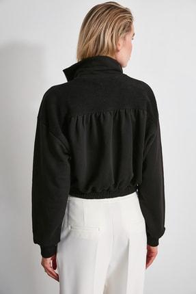 TRENDYOLMİLLA Siyah Sırtı Dokulu Crop Örme Sweatshirt TWOAW20SW0074 3