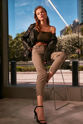 TRENDYOLMİLLA Haki Yıkamalı Yüksek Bel Mom Jeans TWOAW21JE0262 0