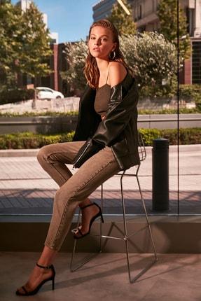 TRENDYOLMİLLA Haki Yıkamalı Yüksek Bel Mom Jeans TWOAW21JE0262 1
