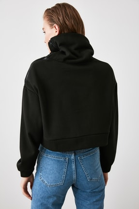 TRENDYOLMİLLA Siyah Fermuarlı Dik Yaka Crop Örme Sweatshirt TWOAW21SW0121 3