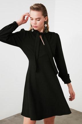 TRENDYOLMİLLA Siyah Bağlama Detaylı Örme Elbise TWOAW20EL2108 2