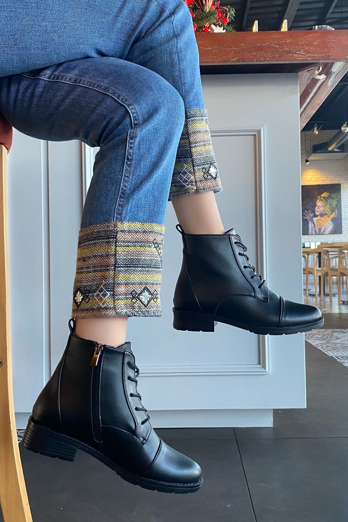 Platin Topuklar Kadın Siyah Bağcıklı Bot