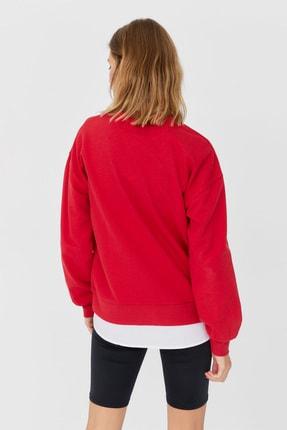 Stradivarius Kadın Kırmızı Coca-Cola Baskılı Sweatshirt 06614699 1