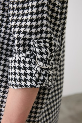 TRENDYOLMİLLA Siyah Kazayağı Ceket Gömlek TWOAW20GO0159 4