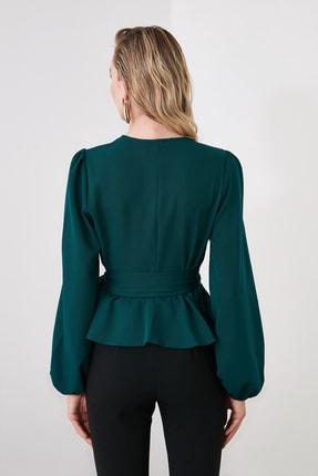 TRENDYOLMİLLA Zümrüt Yeşili Kruvaze Yaka Bluz TWOAW20BZ1089 4