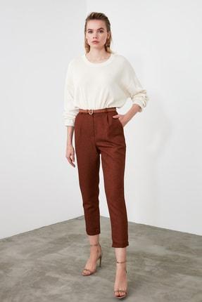 TRENDYOLMİLLA Kahverengi Pili Detaylı Havuç Pantolon TWOAW20PL0541 2