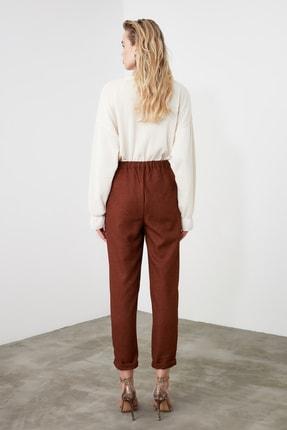 TRENDYOLMİLLA Kahverengi Pili Detaylı Havuç Pantolon TWOAW20PL0541 4