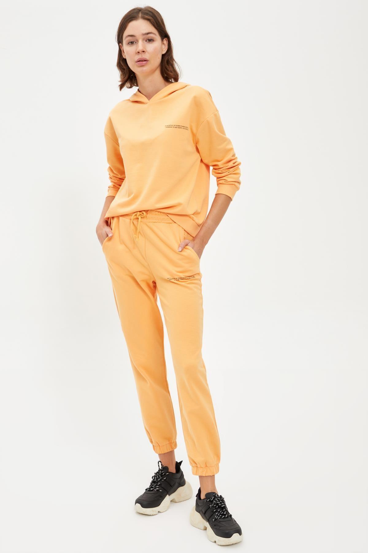 Defacto Kadın Lt.Orange Yazı Baskılı Kapüşonlu Sporcu Sweatshirt S1114AZ20AU 1