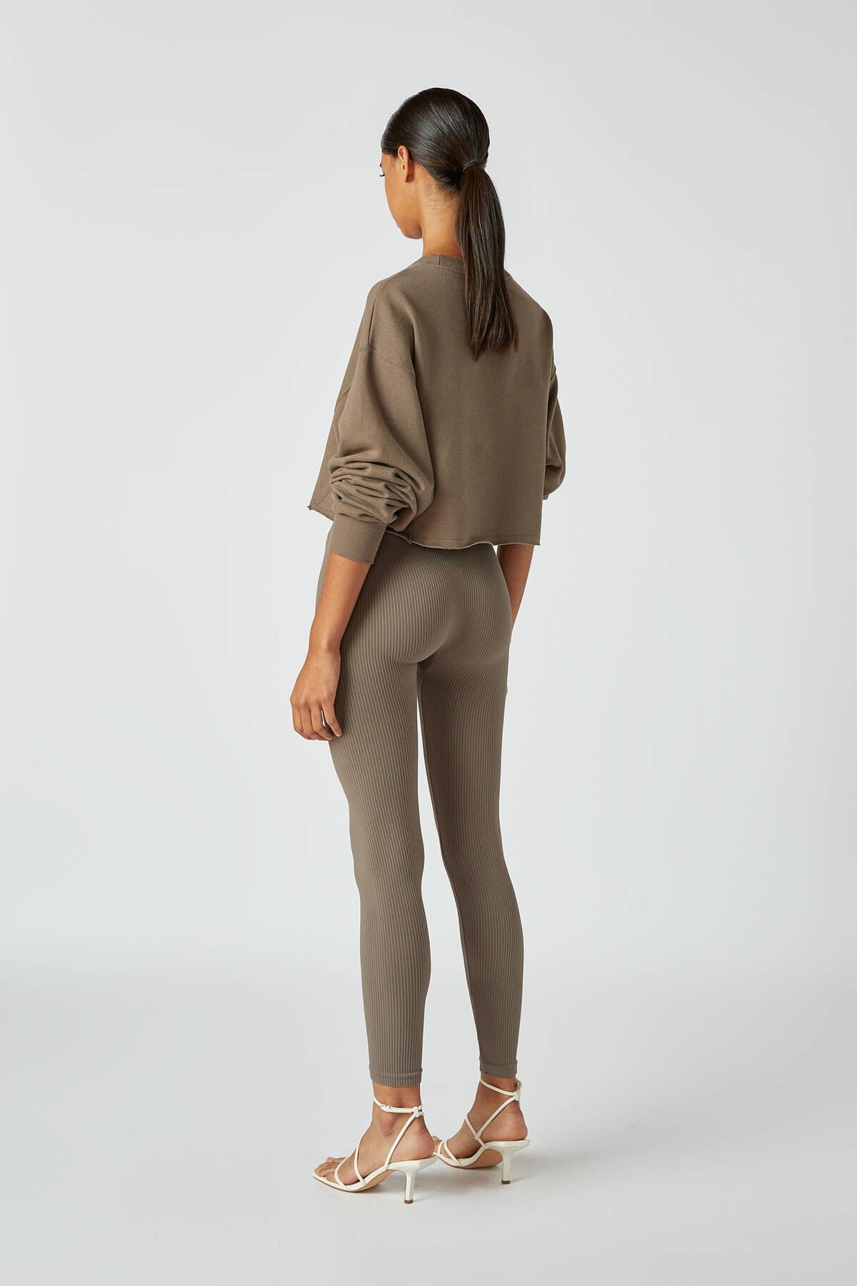 Pull & Bear Kadın Boz Gri Rahat Crop Fit Sweatshirt 09594315 2