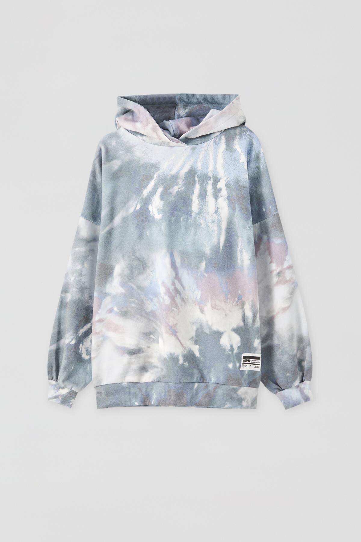 Pull & Bear Kadın Renkli İşlemeli Etiketli Batik Kapüşonlu Sweatshirt 09594320 4