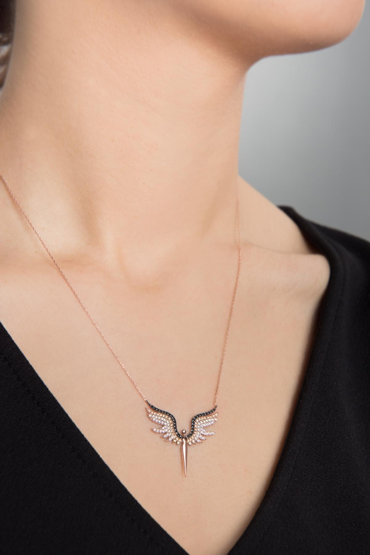 Elika Silver Kadın Melek Model Zirkon Taşlı 925 Ayar Gümüş Kolye PP2346 1