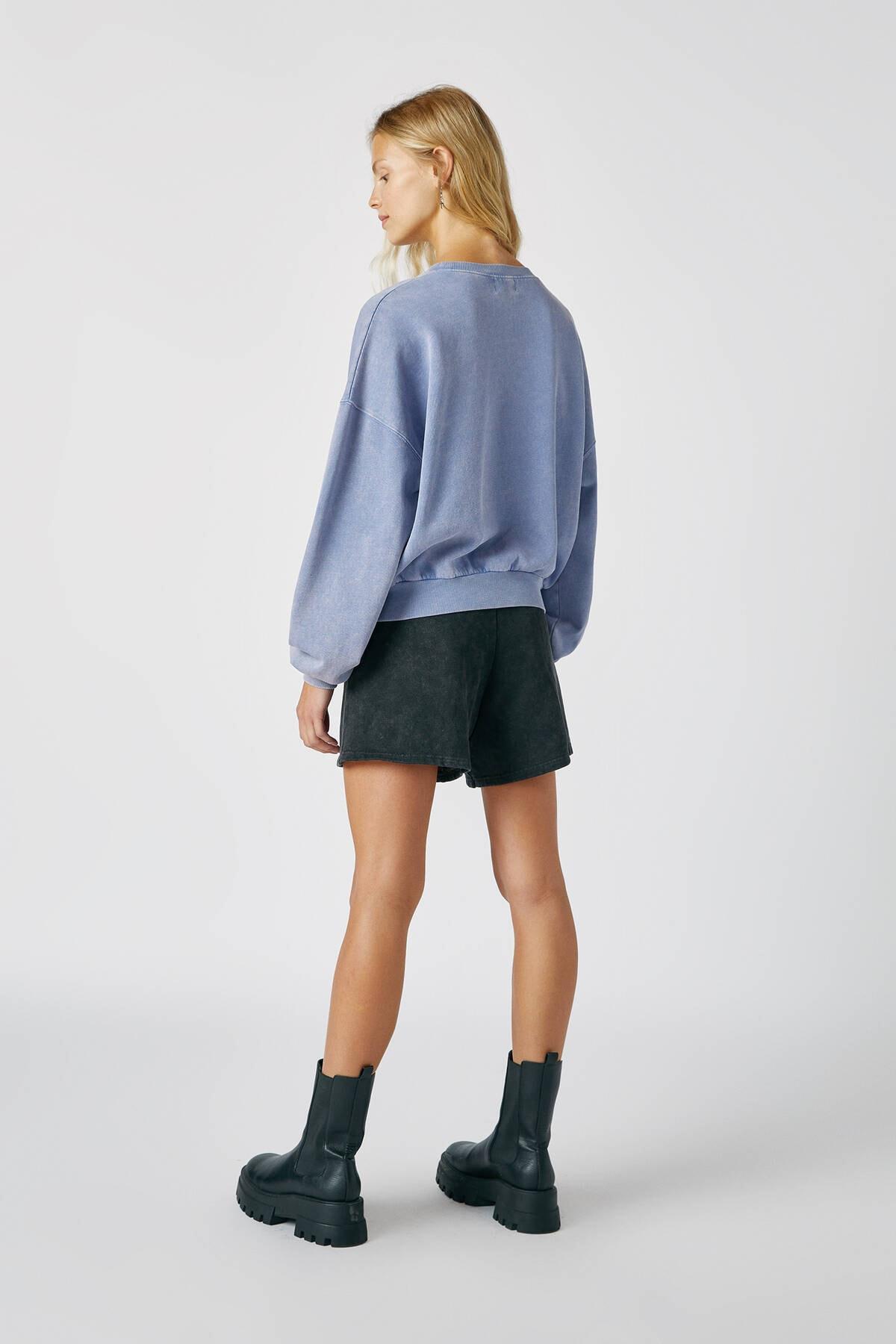 Pull & Bear Kadın Bulut Mavisi Kontrast Sloganlı Sweatshirt 09594307 2