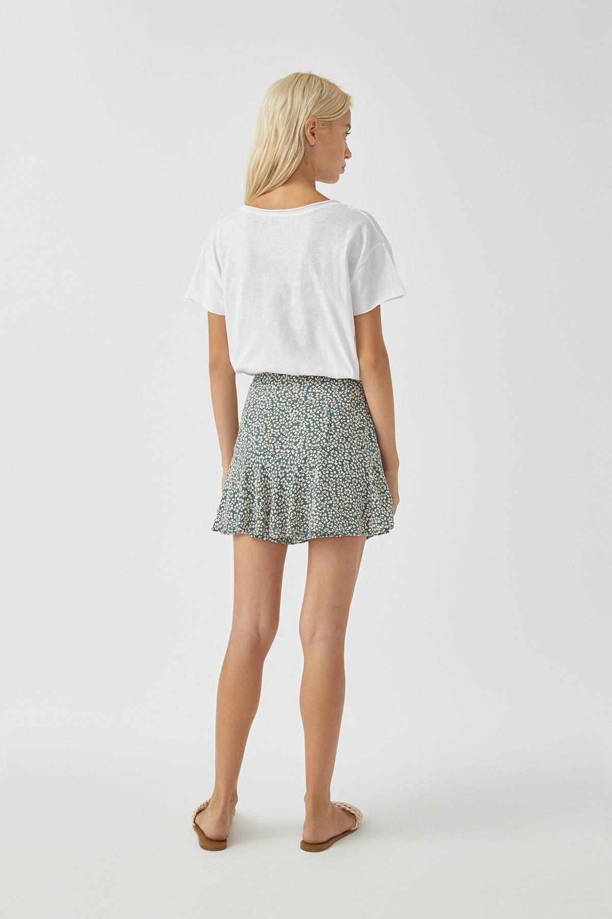 Pull & Bear Kadın Beyaz Biyeli Dikişli Basic T-Shirt 05236307 2