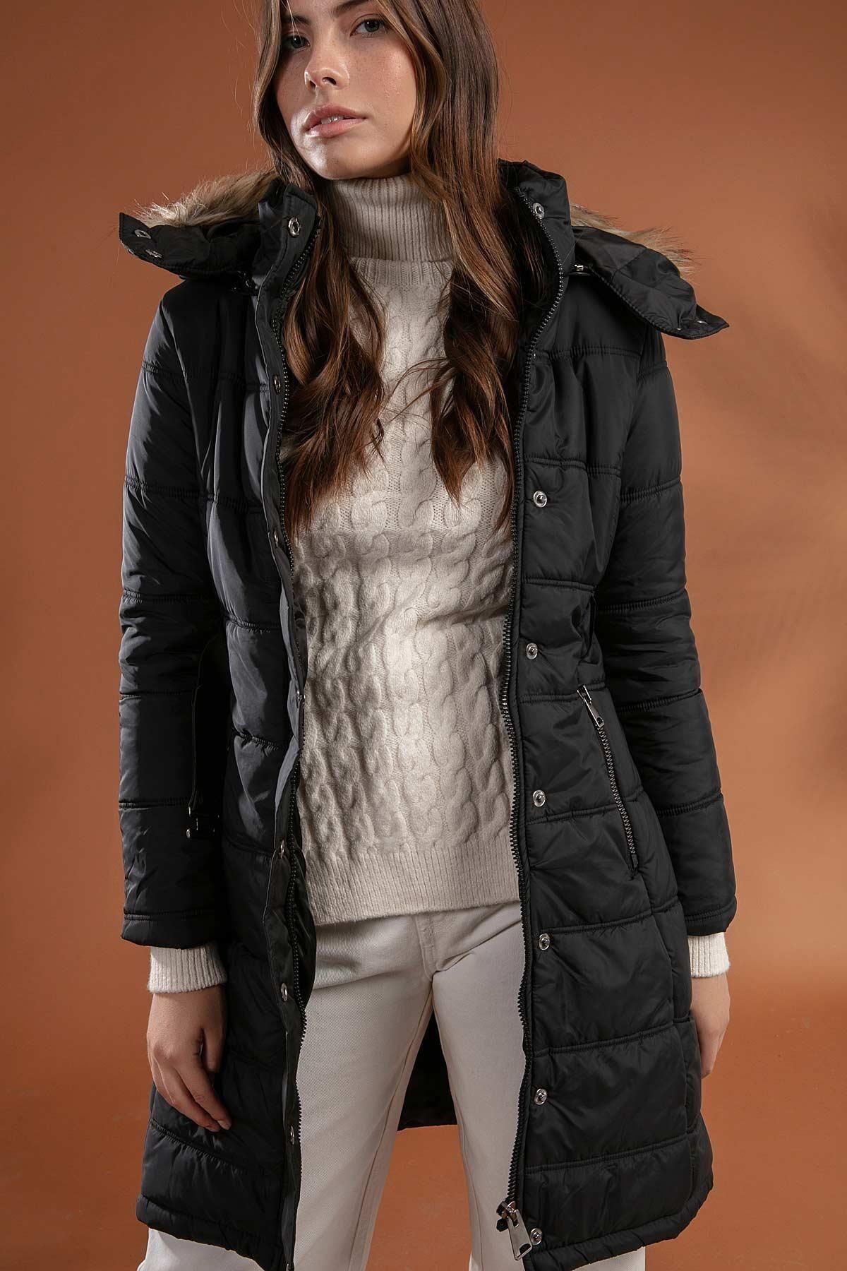 Y-London Kadın Siyah Kapşonu Kürklü Uzun Şişme Kaban Mont 5081 1