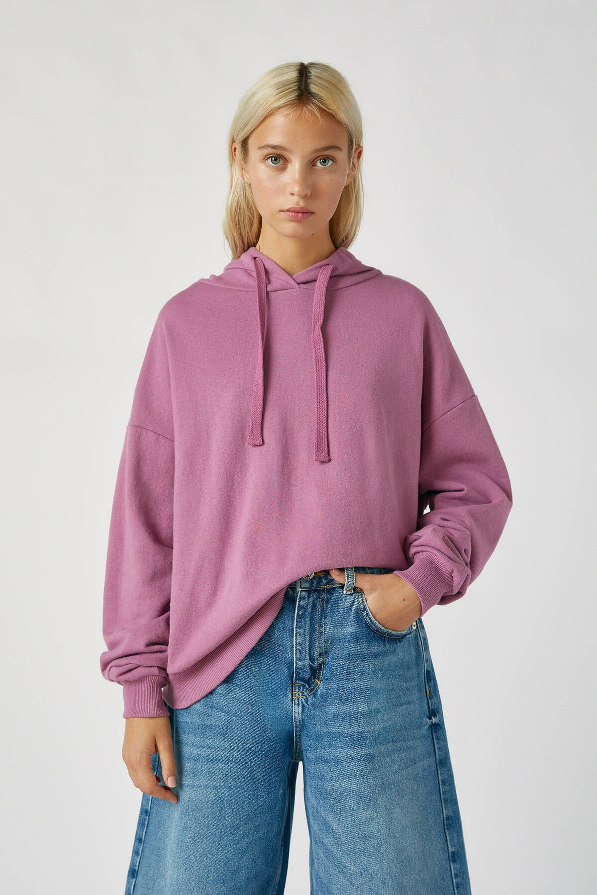 Pull & Bear Kadın Mor Renkli Kapüşonlu Sweatshirt 09594312 0
