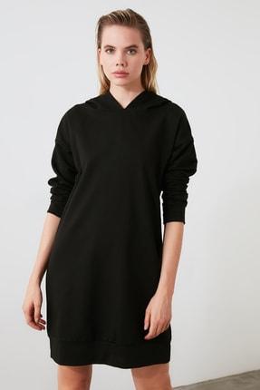 TRENDYOLMİLLA Siyah Kapüşonlu Örme Sweat Elbise TWOAW20EL1554 1