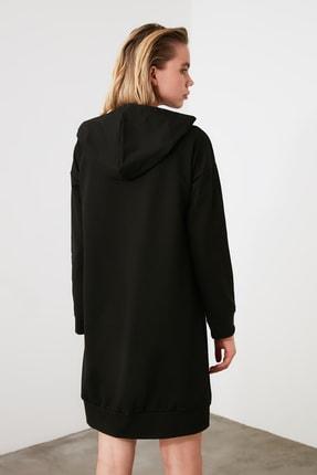 TRENDYOLMİLLA Siyah Kapüşonlu Örme Sweat Elbise TWOAW20EL1554 3