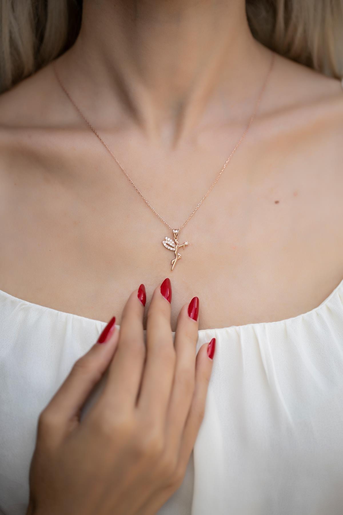 Kadın İyilik Meleği Model Zirkon Taşlı Rose Kaplama Gümüş Kolye İZLASLVR00521