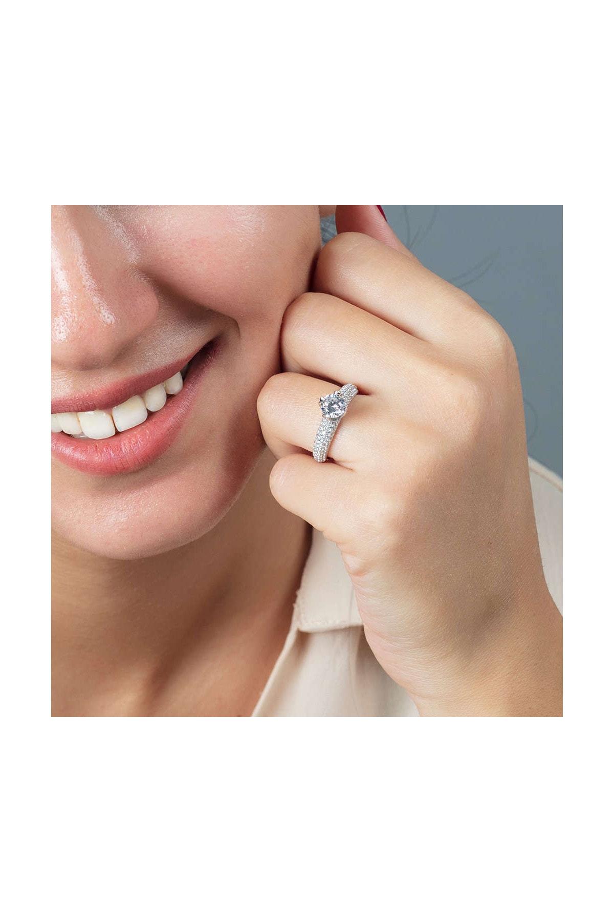 Tesbihane Starlight Diamond Pırlanta Montür Aşk Temalı 925 Ayar Gümüş Bayan Tektaş Yüzük 102001800 2