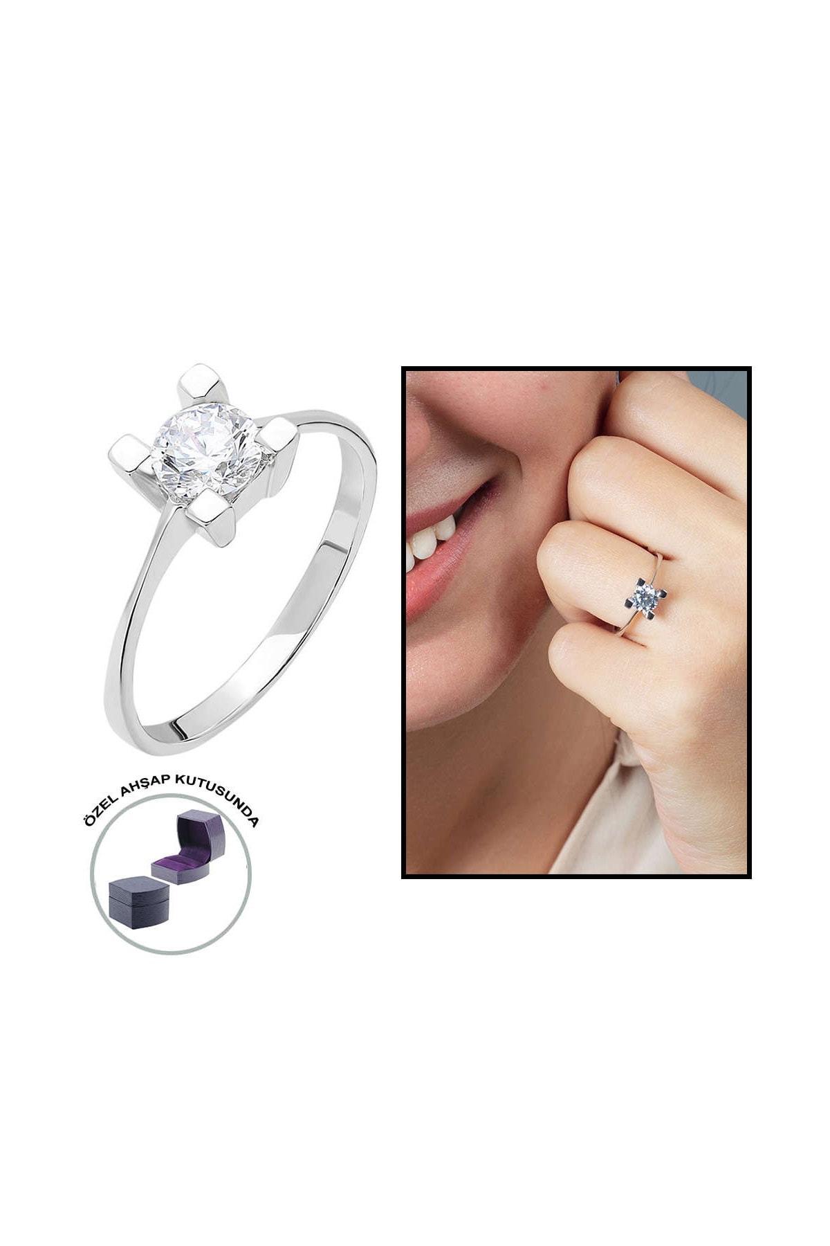 Tesbihane Starlight Diamond Pırlanta Montür Kare Tasarım 925 Ayar Gümüş Bayan Tektaş Yüzük 102001785 0