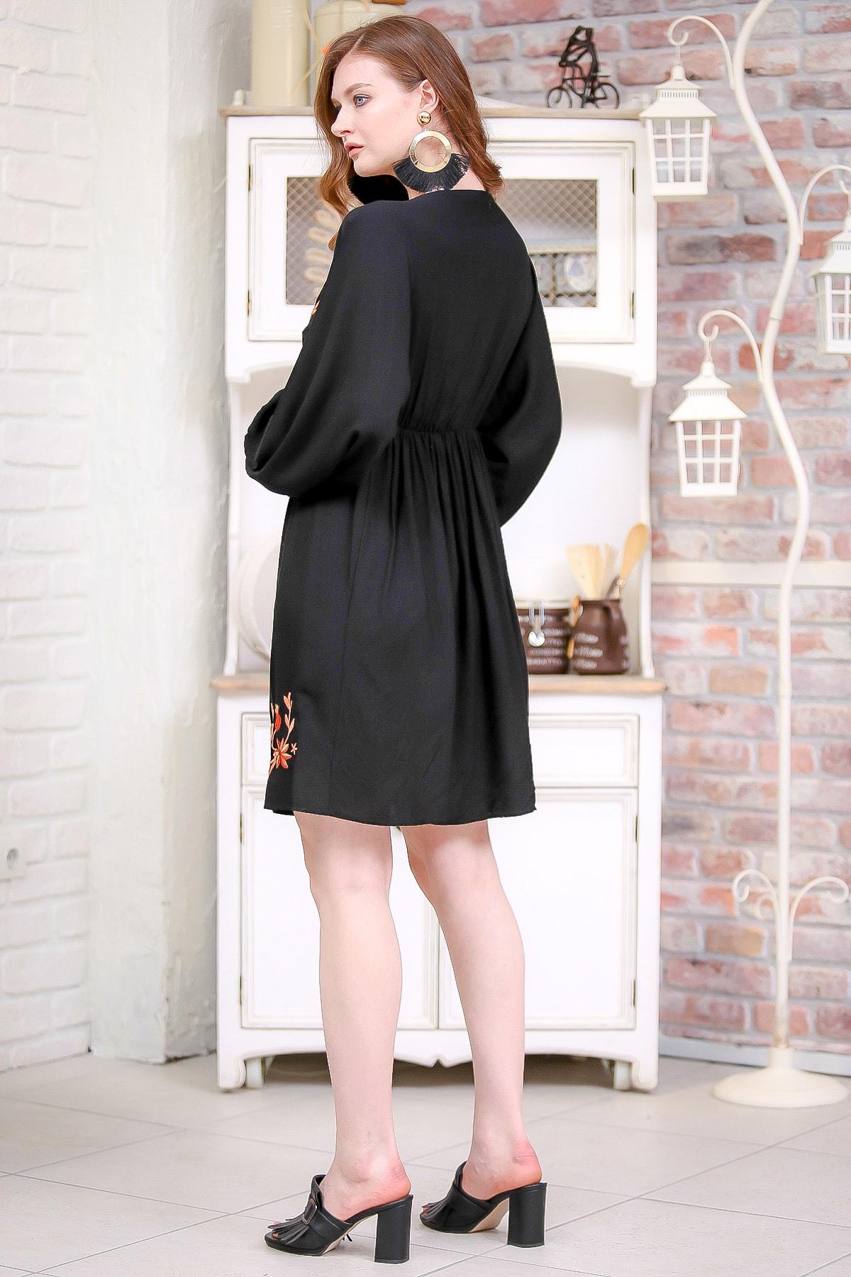 Chiccy Kadın Siyah Retro Çiçek Nakış Detaylı Balon Kol Dokuma Astarlı Elbise  M10160000EL97273 3