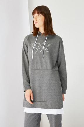 Trendyol Modest Antrasit Baskılı Kapüşonlu Örme Sweatshirt TCTSS21SW0400 1