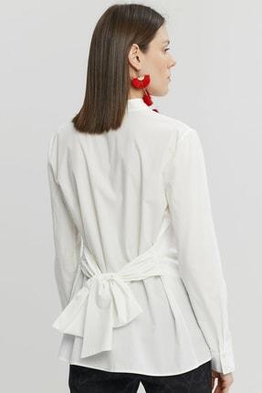 Yargıcı Kadın Kırık Beyaz Bağlama Detaylı Gömlek 9KKGM6160X 3