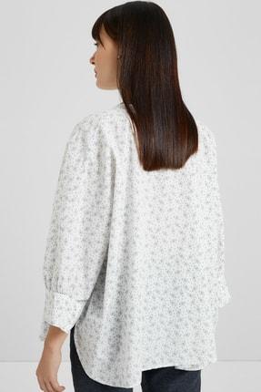 Yargıcı Kadın Beyaz Desenli Yarasa Kol Gömlek 9KKGM6103X 1