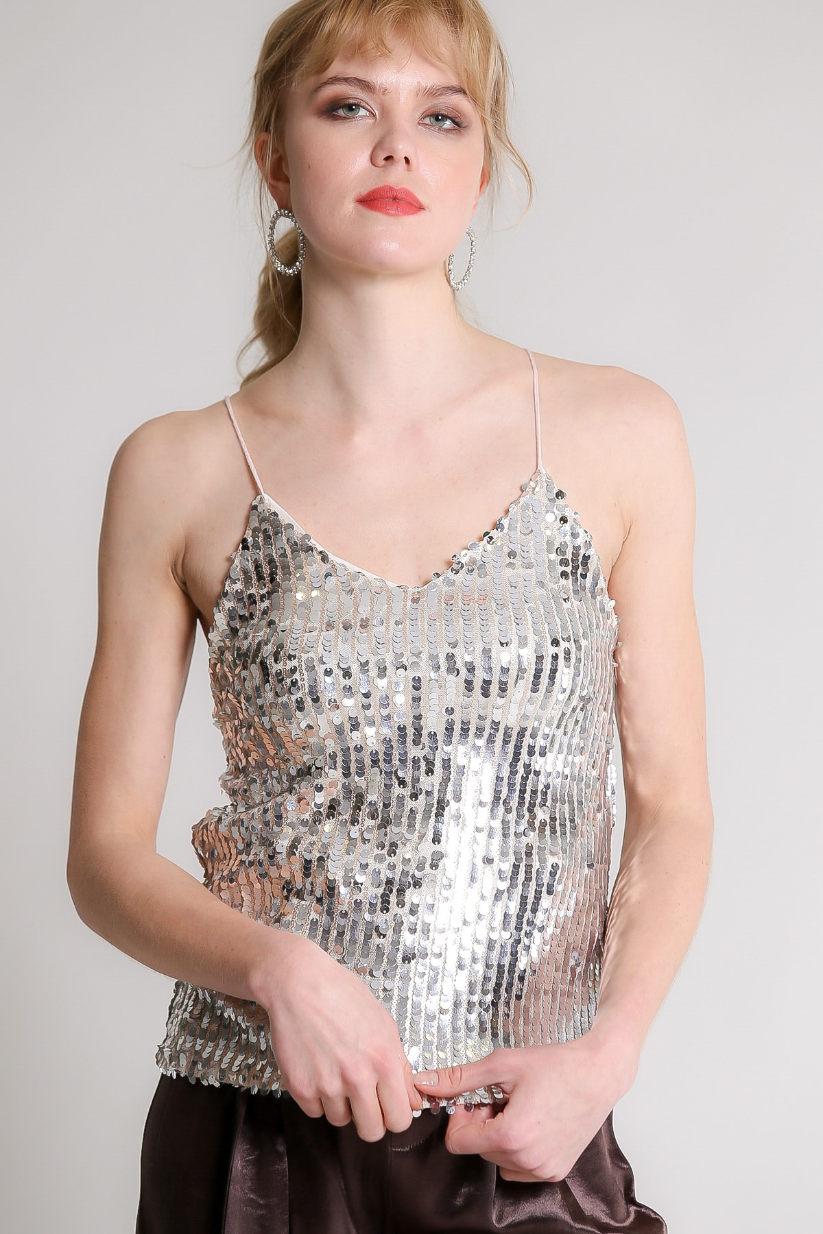 Chiccy Kadın Gümüş Retro Askılı Balık Pul Payetli Bluz M10010200BL96731 2