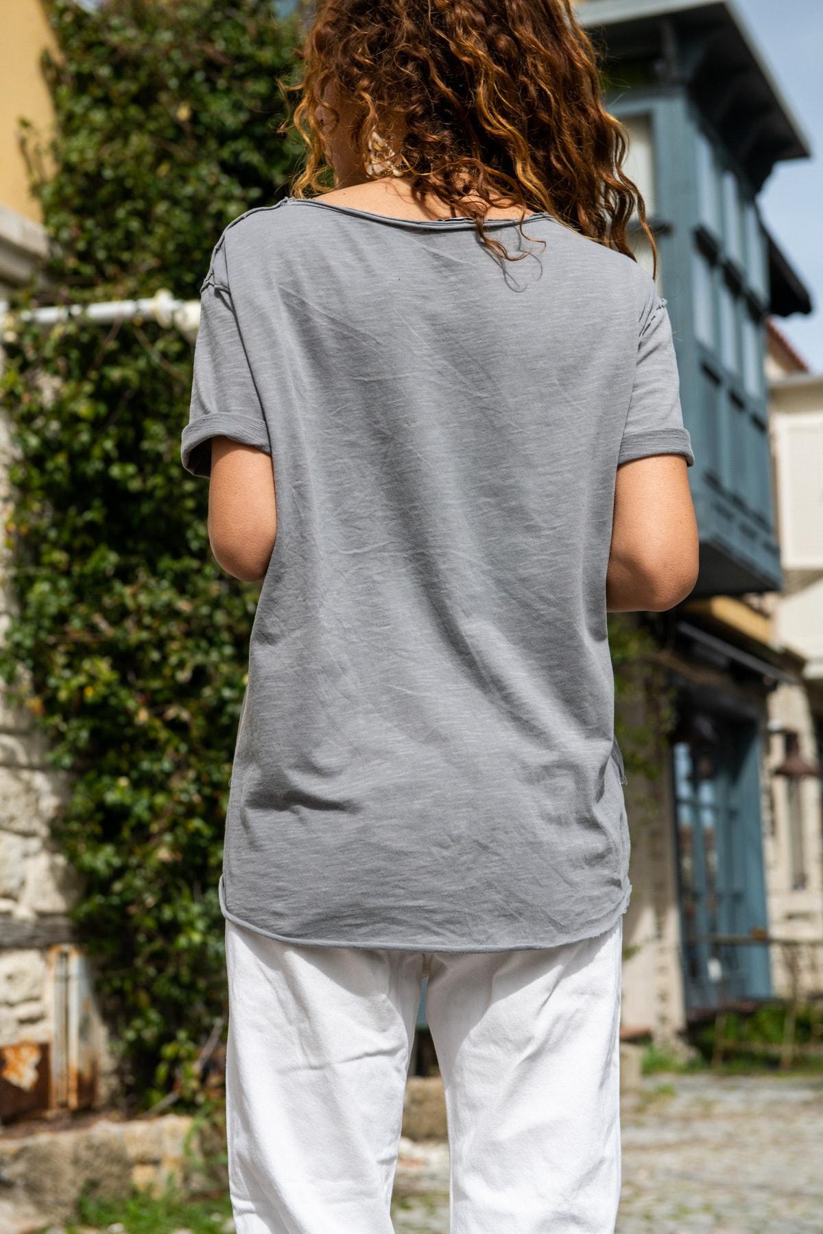 Güneşkızı Kadın Gri Yıkamalı Fileli Yıldız Baskılı Salaş T-Shirt GK-RSD2031 2