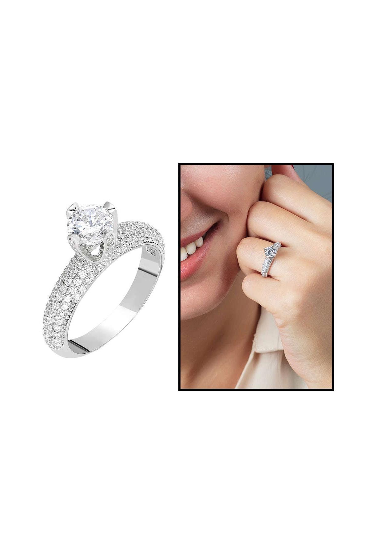 Tesbihane Starlight Diamond Pırlanta Montür Aşk Temalı 925 Ayar Gümüş Bayan Tektaş Yüzük 102001800 1