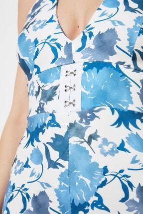 TRENDYOLMİLLA Mavi Çiçek Desenli Bel Detaylı  Abiye & Mezuniyet Elbisesi TPRSS21AE0144 3