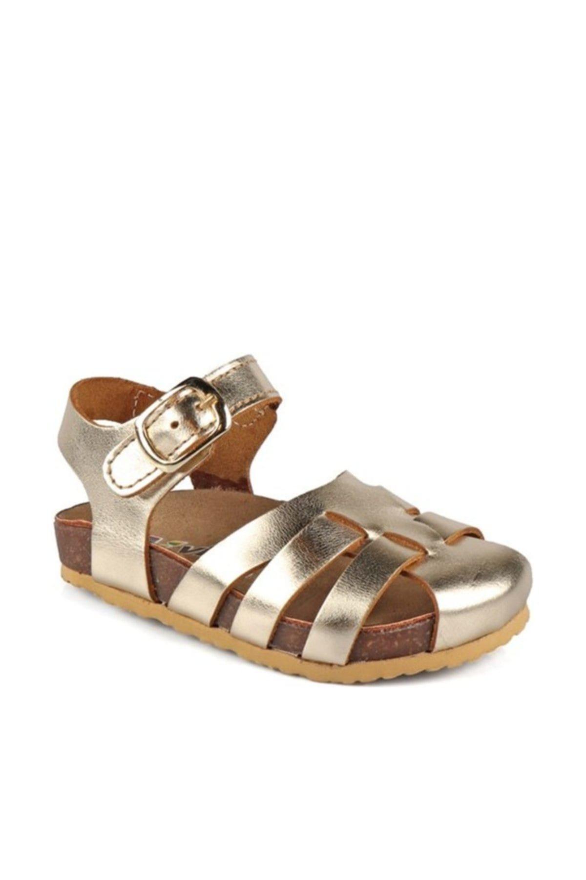 Altın Rengi Parlak Deri Sandalet