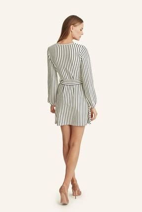 Hanna's Kadın Beyaz Çizgili Kruvaze Kemerli Elbise HN1016 2