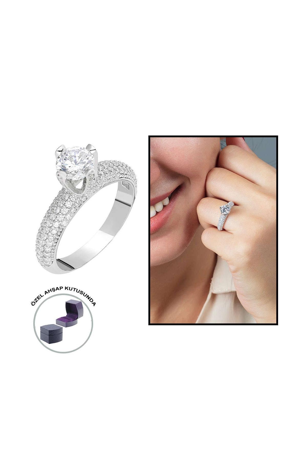 Tesbihane Starlight Diamond Pırlanta Montür Aşk Temalı 925 Ayar Gümüş Bayan Tektaş Yüzük 102001800 0
