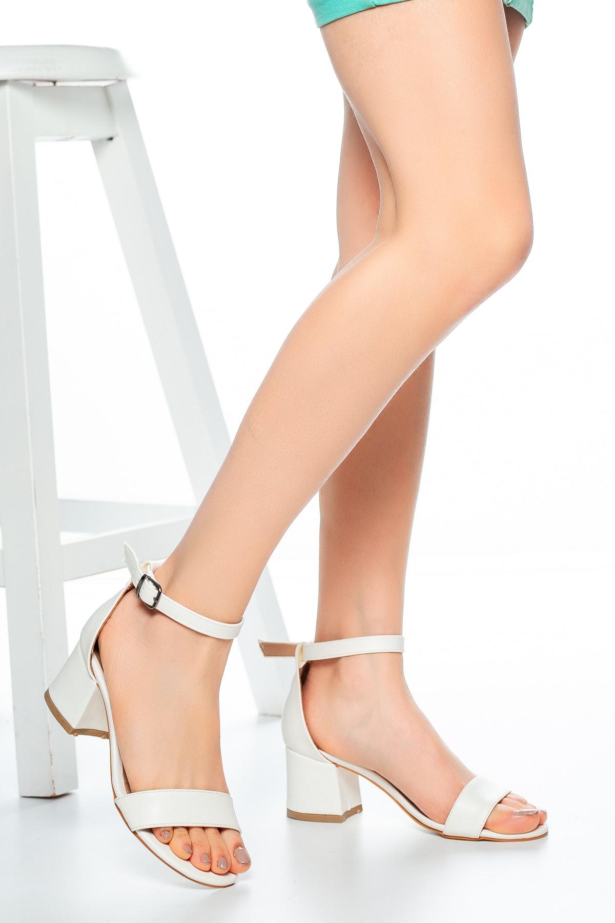 Beyaz Cilt Kadın Klasik Topuklu Ayakkabı Md1015-119-0001